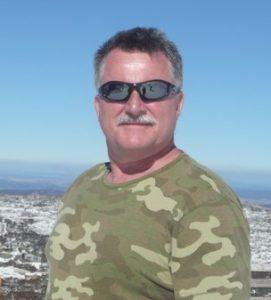 Dr Michael Looyschelder dentist